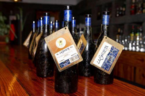 Estudio de envejecimiento bajo el agua de un vino en las islas Canarias